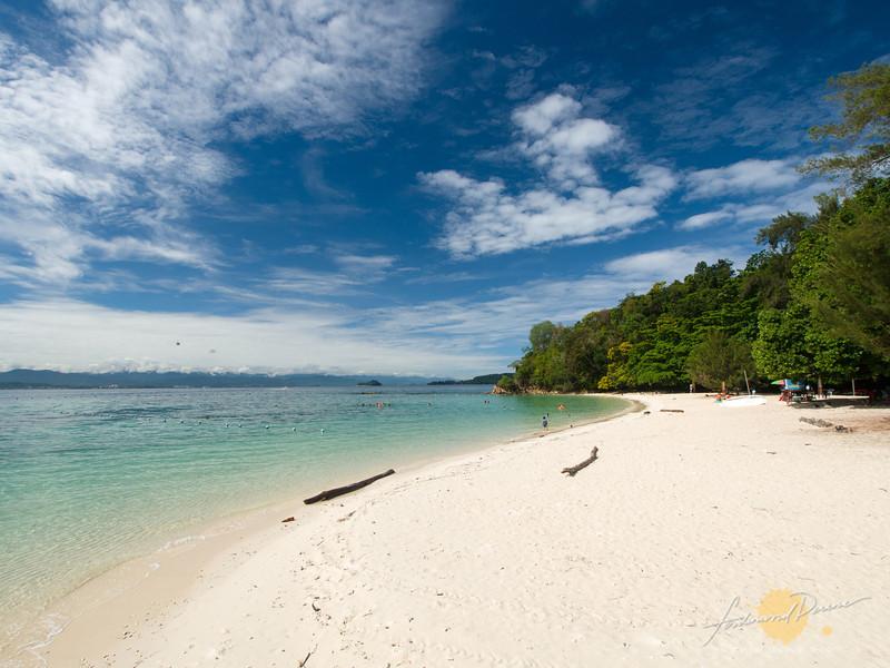Palau Sapi white beach