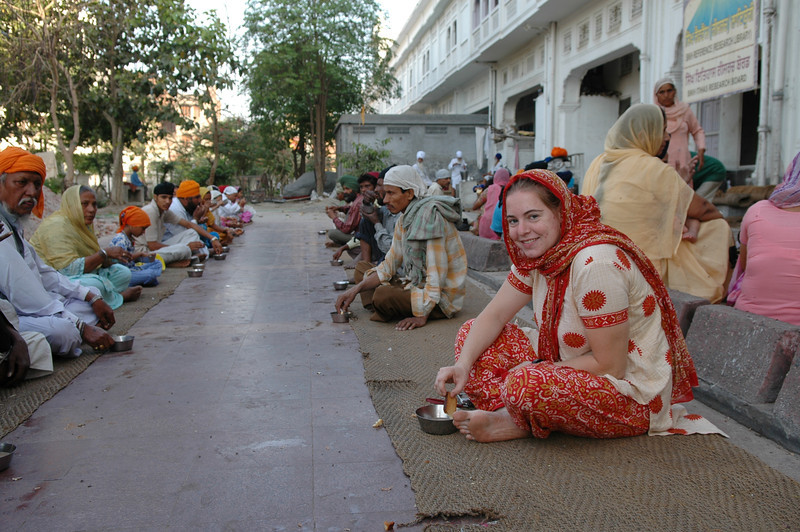 Amritsar: Cheryl eating at the soup kitchen at the Golden Temple