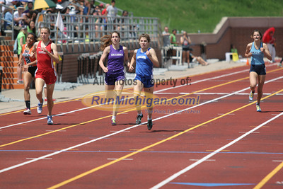 D1 Girls' 400 Meter Finals - 2014 MHSAA LP T&F Finals