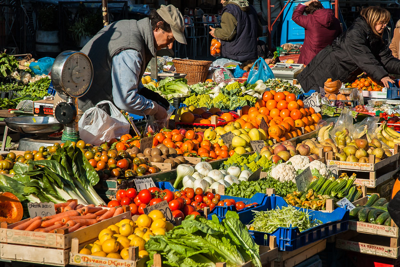 Open Market, Rome, Italy