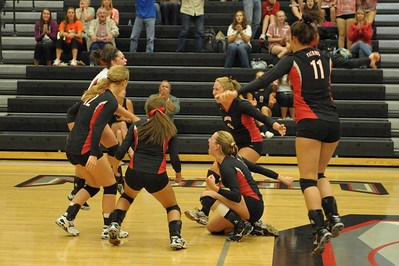 <center>Lady Titan Volleyball <br> Union SWEEPS Skyview 3-0 !! <br> Sept 15, 2011</center>
