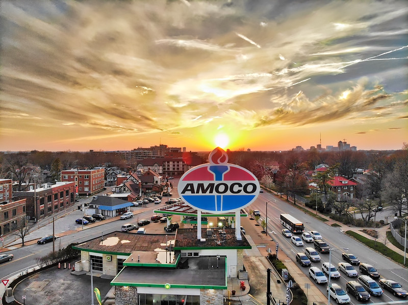 Amoco Sign on Skinker and Clayton