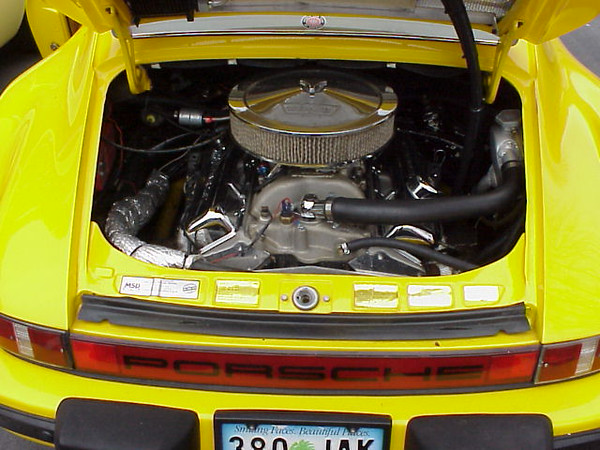 350 911 engine bay