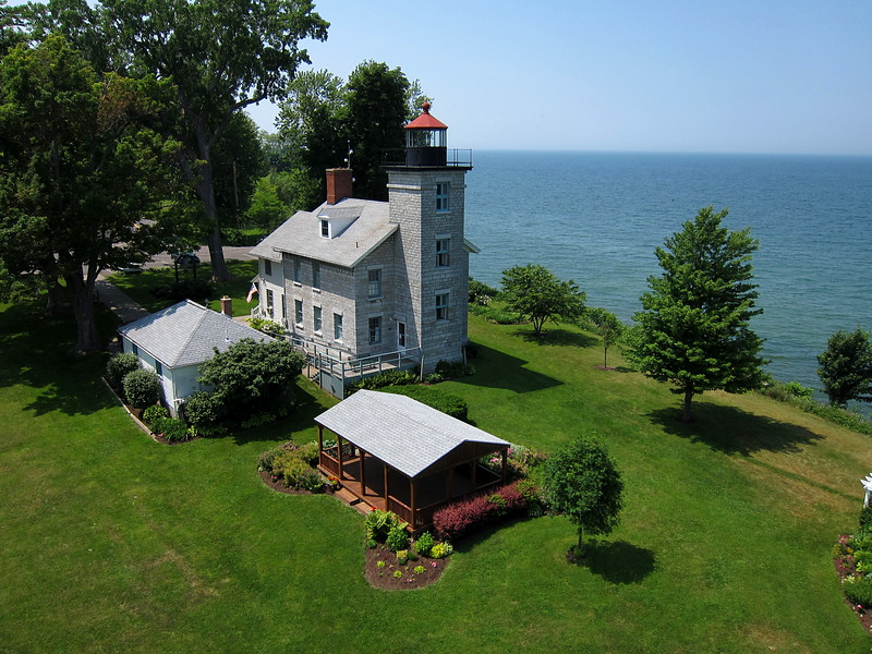 "Sodus Bay lighthouse<br />  <a href=""http://www.soduspointlighthouse.org/"">http://www.soduspointlighthouse.org/</a>"