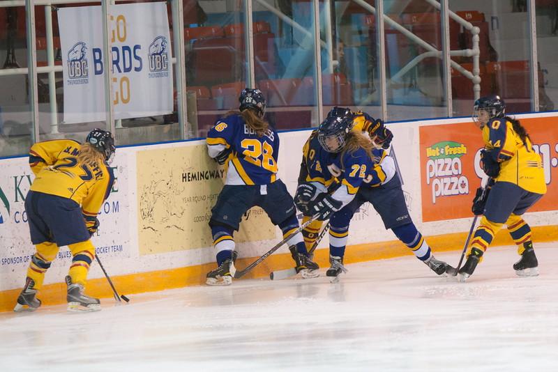 20130310 QWHockeyvsUBC 370.jpg
