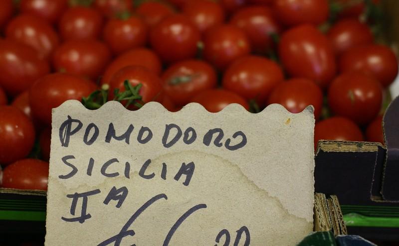 tomatoes_2141482239_o.jpg