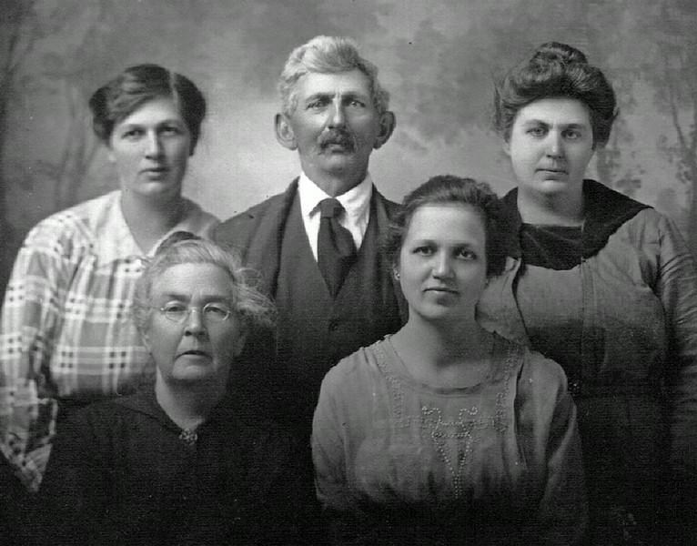 Allie (front left) and David Durham with their daughters