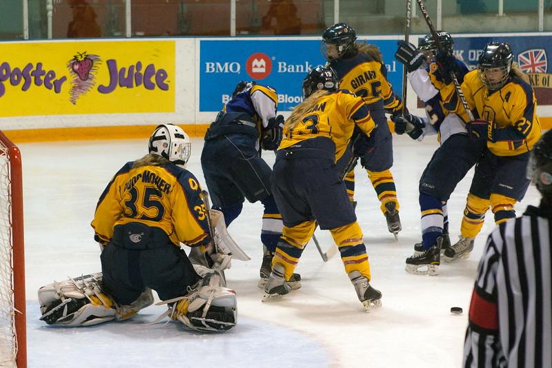 20130310 QWHockeyvsUBC 245.jpg
