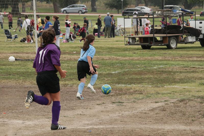 Soccer2011-09-17 10-15-15.JPG