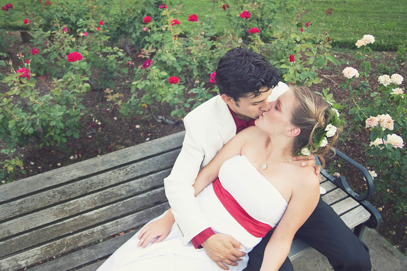 rose-garden-wedding-kiss.jpg