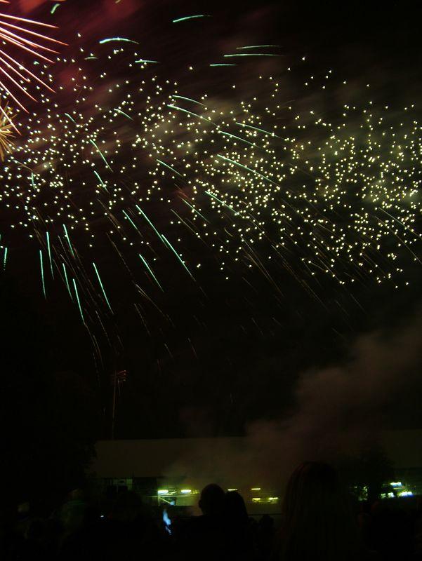 2004_1105putneyfireworks20075.JPG