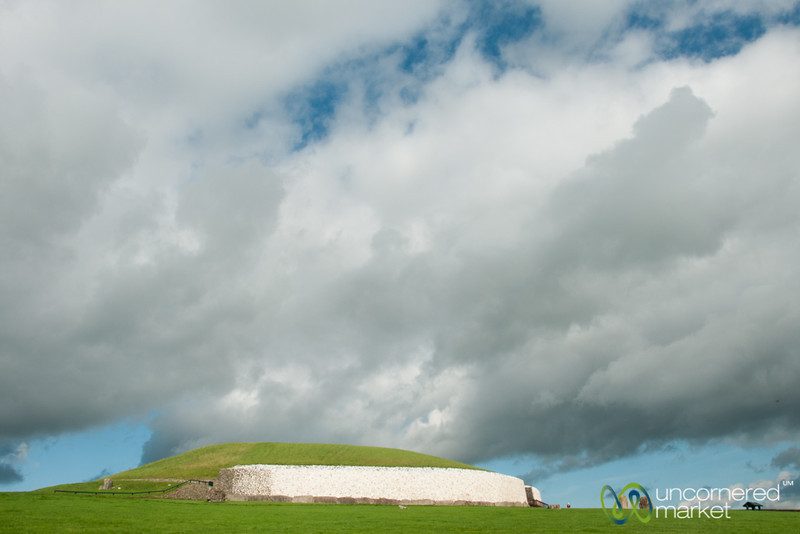 Newgrange Ancient Burial Site - Ireland