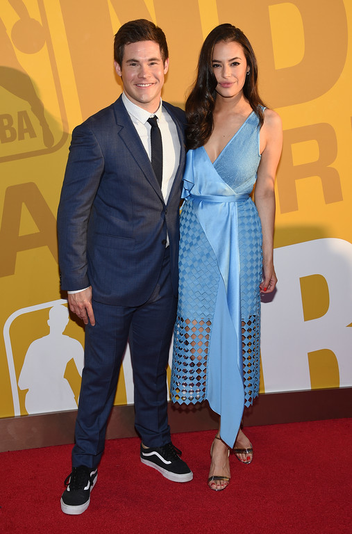 . Adam Devine, left, and Chloe Bridges arrive at the NBA Awards at Basketball City at Pier 36 on Monday, June 26, 2017, in New York. (Photo by Evan Agostini/Invision/AP)