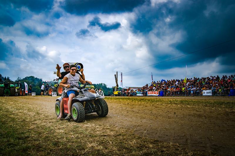 Tractor Pulling 2015-02227.jpg