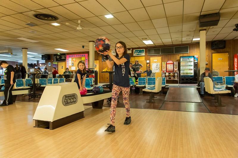 Maddie bowling-9390.jpg