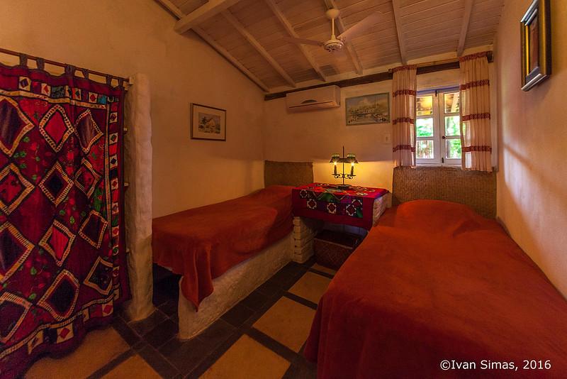 Casa Pescador-Twin bedroom.jpg