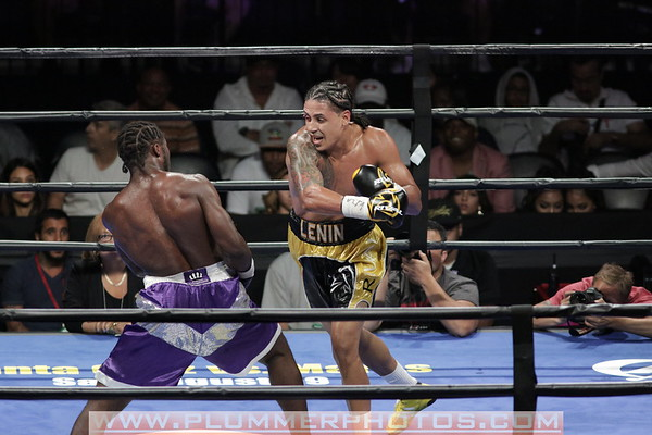 Travis Peterkin and Lenin  Castillo Fight to a Technical Draw