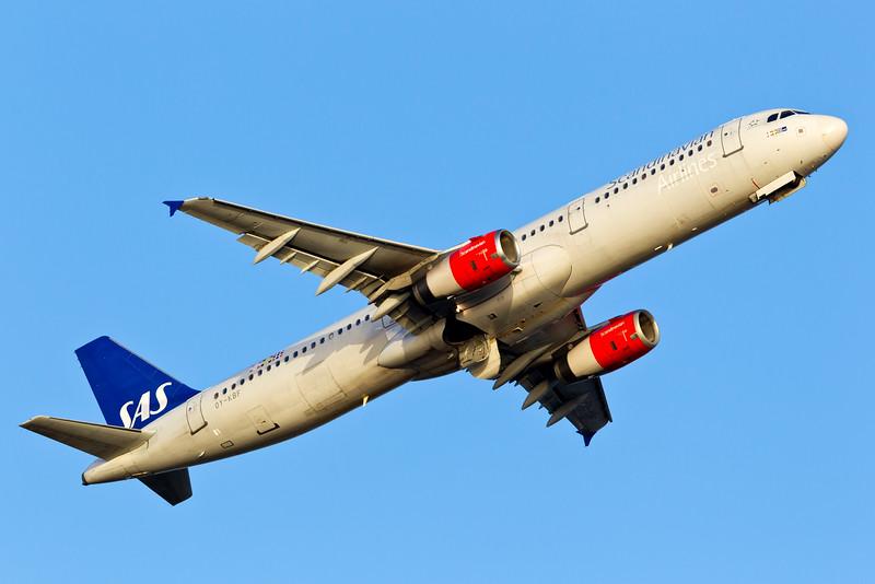 OY-KBF-AirbusA321-232-SAS-CPH-EKCH-2011-04-10-_O7F7369-DanishAviationPhoto.jpg