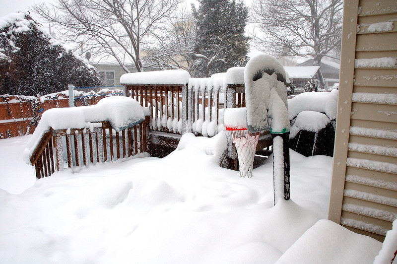 All done. Storm total for us 12 - 14 inches ......Now the shoveling begins.......