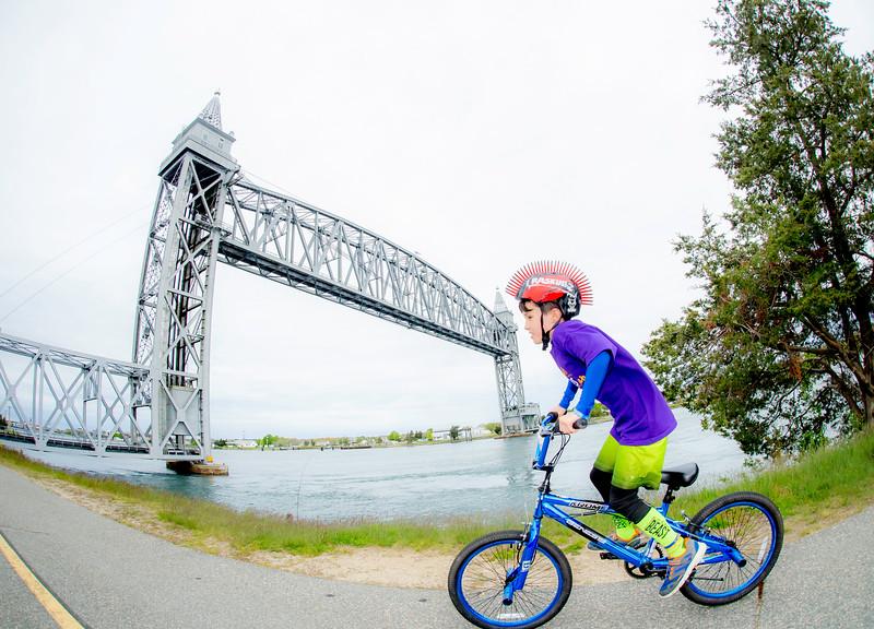 109_PMC_Kids_Ride_Sandwich.jpg