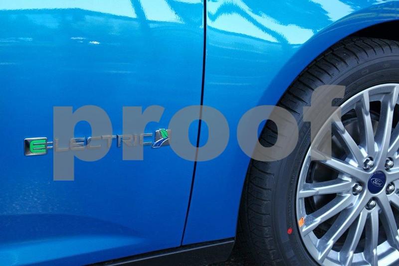 Electric car, Ford 9938.jpg