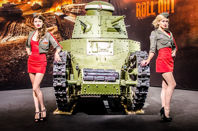 Girls and a tank at Igromir 2012