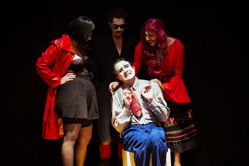 Allan Bravos - essenCIA Teatro - Persona 07-373.jpg