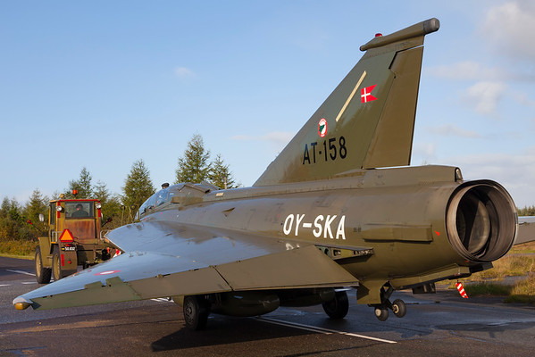 OY-SKA - Saab SK-35XD Draken