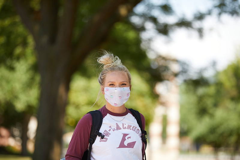2020 UWL Students with Masks 0197.jpg