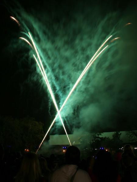 2007_1102putneyfireworks067_edited-1.JPG