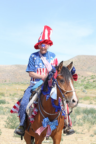 Our Oreana parade mistress Linda and her patriotic horse Ted