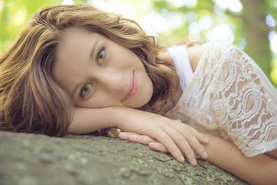 Nikki  Senior Pictures