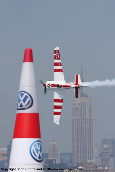 First place Paul Bonhomme uses the Empire State building as the second pilon. Scott Snorteland wst S.JPG