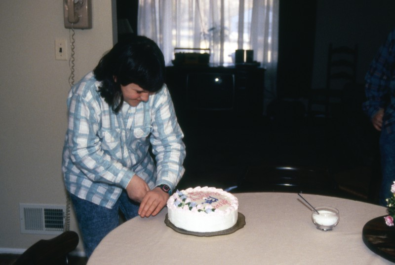 HCA-DXIII-011-Cutting Cake Feb 16 1991.jpg