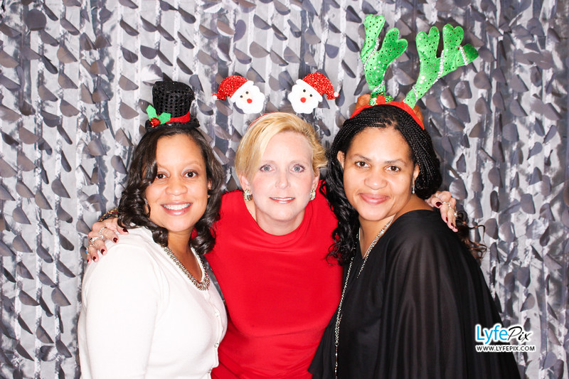 red-hawk-2017-holiday-party-beltsville-maryland-sheraton-photo-booth-0205.jpg