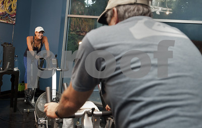 spin-class-burns-hundreds-of-calories-keeps-exercisers-motivated