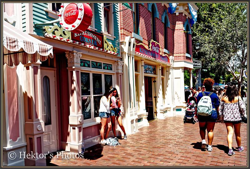 Disneyland Leica Q-6.jpg