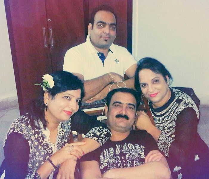 Dr Prem with brother Kishore and sister Dolly (Lata) and Janavi (Ekta).jpg