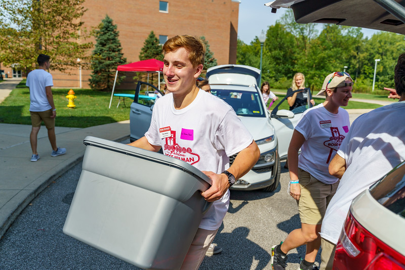 RHIT_Freshman_Move_In_Day_2019-7778.jpg
