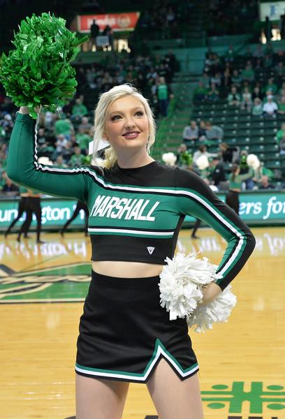 cheerleaders3844.jpg