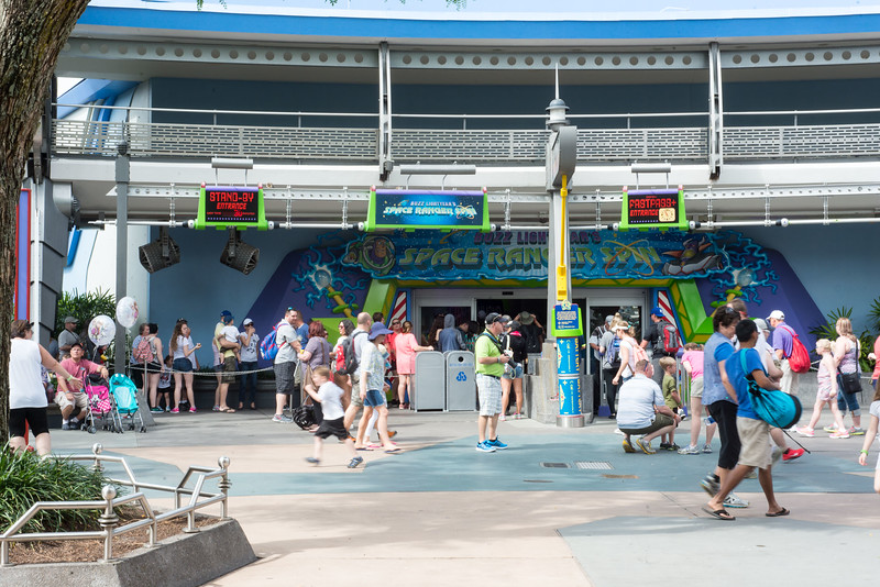 Buzz Lightyear Crowds Again - Magic Kingdom Walt Disney World
