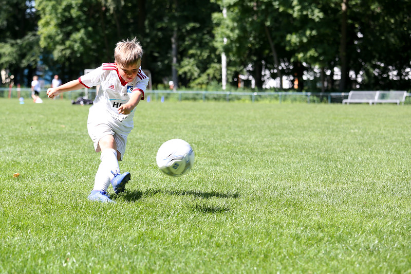 hsv_fussballschule-471_48047957256_o.jpg