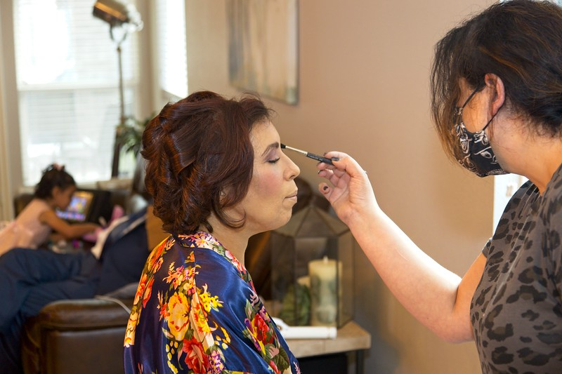112020_Wedding-174219-GettingReady-0057.jpg