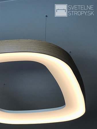 RD s atypickým svetelným stropom
