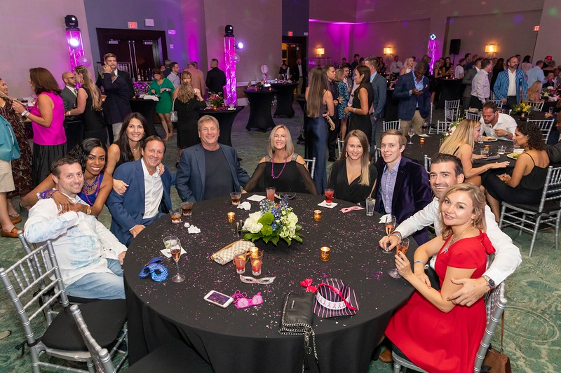 2019_11_Yachtail_Party_00383.jpg
