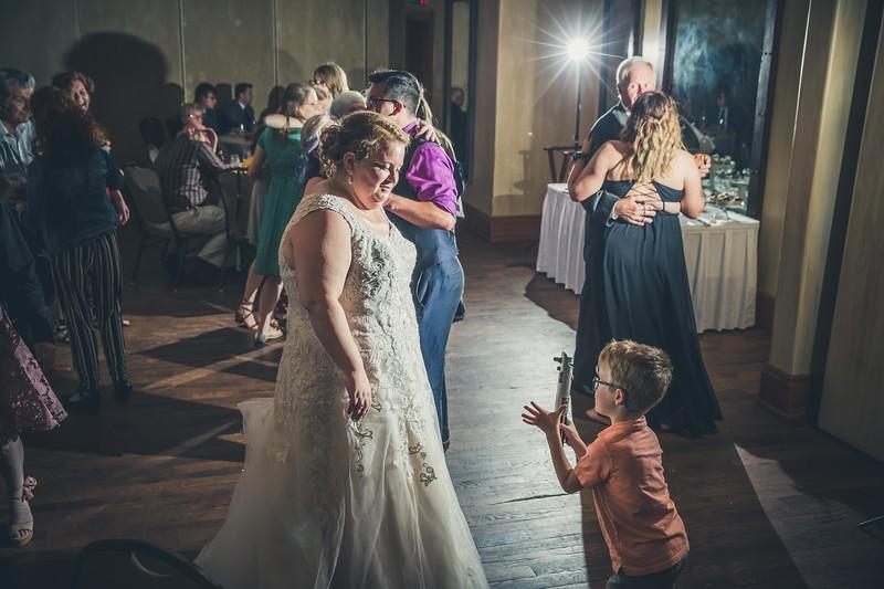 Beloit-WI-Ironworks-hotel-Wedding-Photographere_m_93.jpg