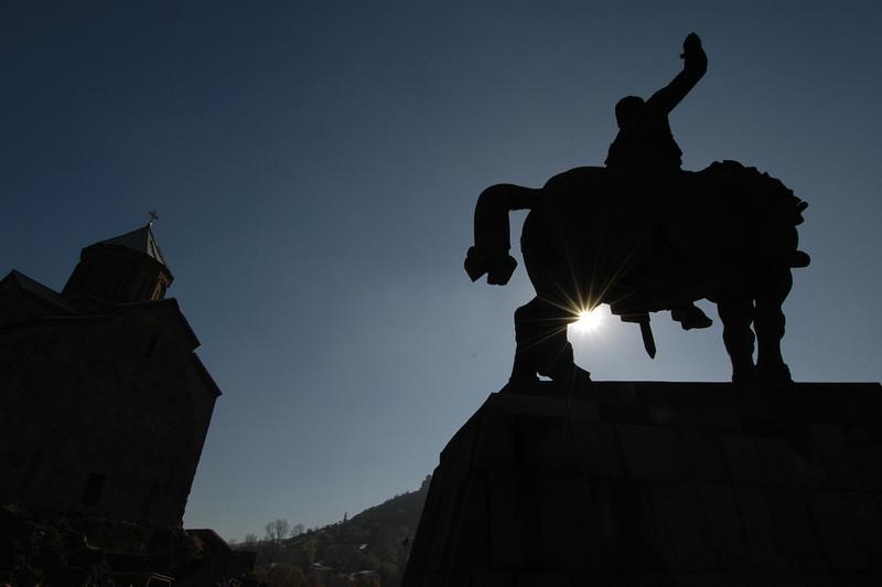 041119 1317 Georgia - Tbilisi - Church over river _C _E _H _N ~E ~L.JPG
