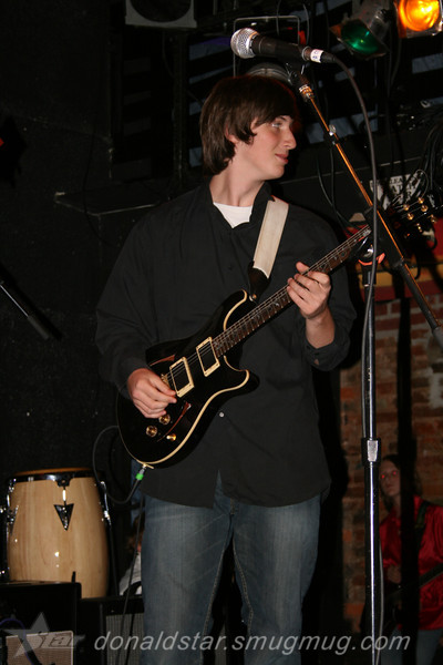 Paden Mullins Guitar at the 8 by 10 baltimore 2007 020.JPG