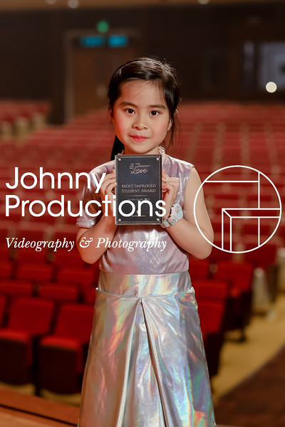 0019_day 1_award_red show 2019_johnnyproductions.jpg