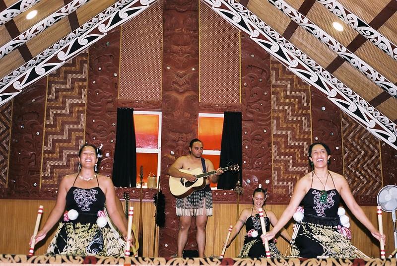 maori-village_1813994403_o.jpg